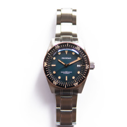 Proxima PX1680  vintage  style  bubble sapphire glass Fading Blue Dial