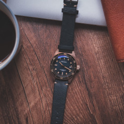 PROXIMA PX1680 BRONZE CUSN8 VINTAGE STYLE BUBBLE SAPPHIRE GLASS FADING BLUE DIAL